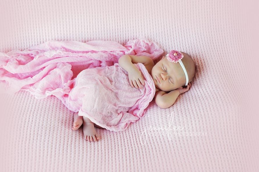 Jennifer-Mayne-Photography-Georgetown-78628-Austin-Newborn-Photography-Paisley-pink